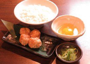 新横浜の居酒屋「とりいちず」で〆まで美味しいこだわりの水炊きを堪能!