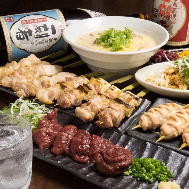 横浜の居酒屋「とりいちず」で馬刺しと焼鳥を満喫する宴会