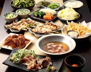 とりいちず 新横浜JEMS店の鶏料理を満喫できる〈食べ放題×飲み放題コース〉